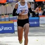 Женщина марафонец. Не рельефные мускулы