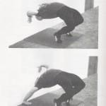 Тренировка спины и шеи. Учимся вставать в борцовский мост из положения стоя.