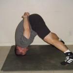 Тренировка шеи в упоре на пол