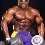 Эрни Тэйлор Ernie Taylor тренировка трапециевидных мышц спины Шраги с гантелями