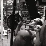 Джей Катлер Jay Cutler Жим на наклонной скамье тренировка верхнего отдела грдных мышц Бодибилдинг