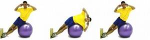 Боковые скручивания на мяче. Упражнение для тренировки мышц пресса