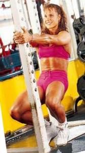Упражнение для упругих ягодиц, красивые бедра в домашнем спортзале