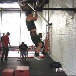 Jack Arnow Джек Арноу, подтягивания с весом на поясе 34 кг, разминка