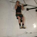 Джек Арноу, подтягивания с весом 45 кг при собственном весе 64 кг