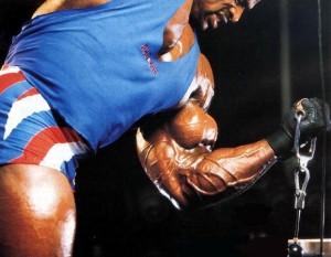 Ronnie Coleman Ронни Колеман, сгибания рук на бицепс на блоке, качаем бицепсы