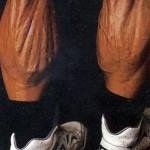 Том Платц и его мускулистые голени