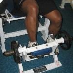 Подъемы носков сидя, тренировка передней поверхности мышц голени