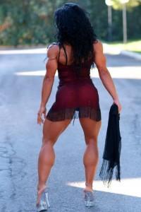 Культуристка Мави Джоя, мускулистая девушка, упругие ягодицы