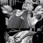 Ли Прист, разведение гантелей лежа на наклонной скамье, тренировка груди, бодибилдинг