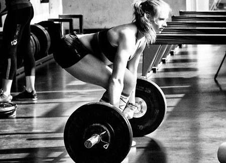 Становая тяга фото девушки