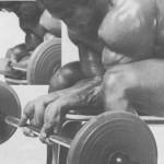 Арнольд Шварценегер Сгибание кистей со штангой, тренировка мышц предплечий