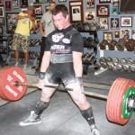 Становая тяга сумо с широкой постановкой ног, пауэрлифтинг, виды становой тяги