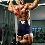Ли Прист, подтягивания широким хватом, тренировка широчайших мышц спины