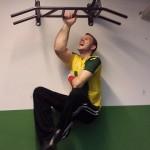 Армрестлер Маттиас Шлитте, любимое упражнение - подтягивание на одной руке